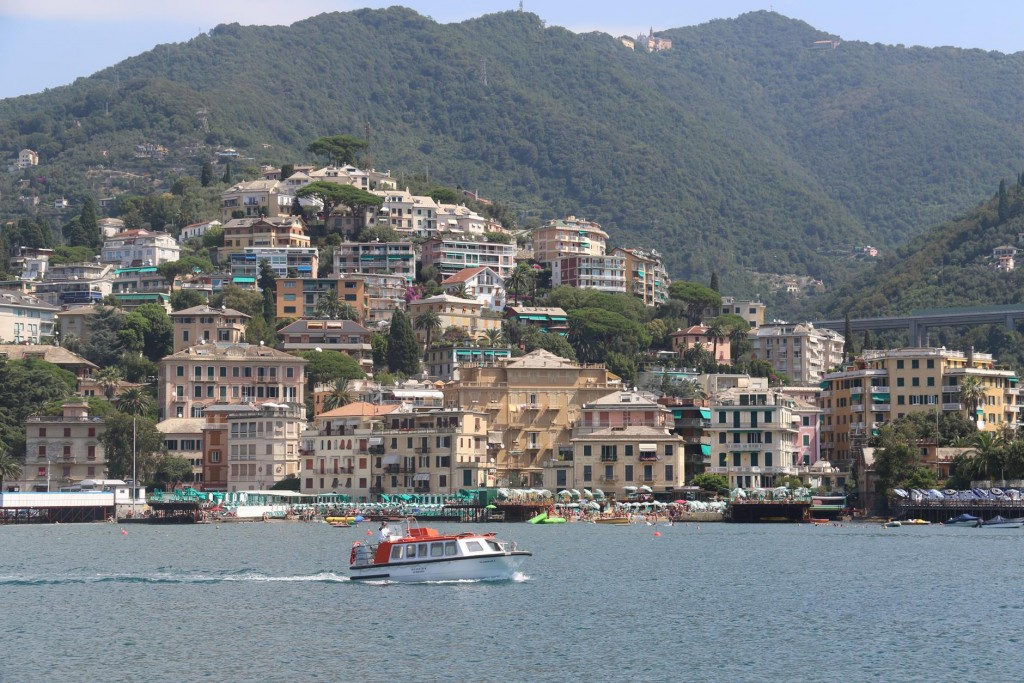 Rapallo situated on the eastern side of the Italian Riviera has apopulation of just over 30,000 people