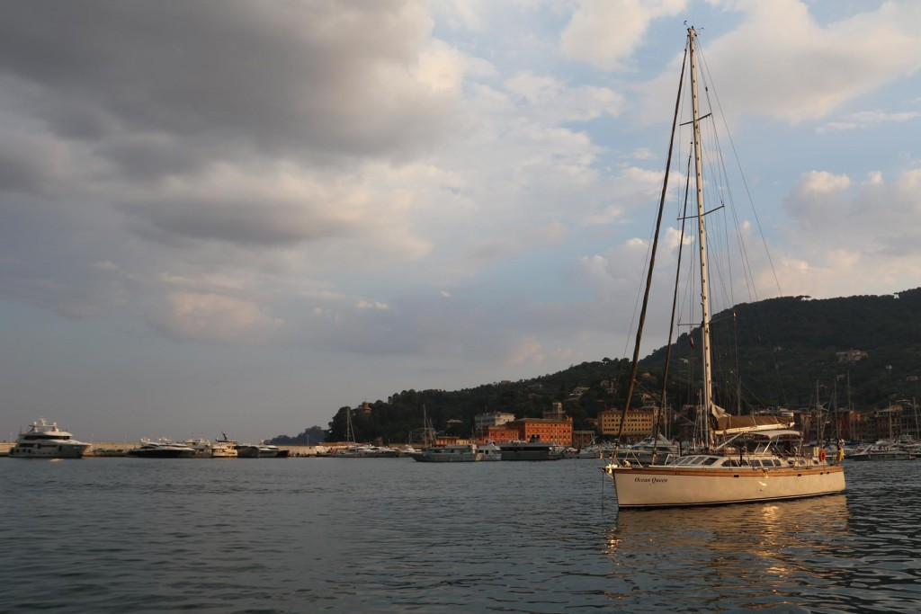 When dark clouds started to appear we headed into Santa Margherita harbour and anchored