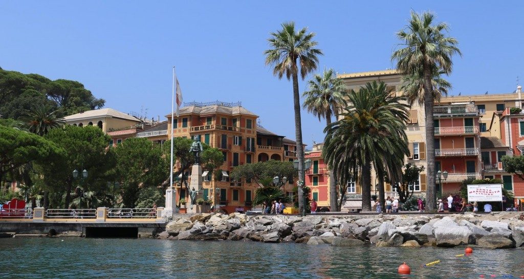 We go ashore as Ric had a physio appointment this morning in Santa Margherita