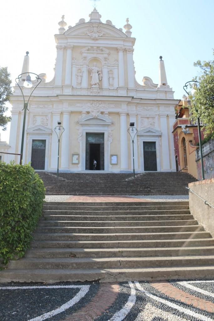 The most attractive Parrocchia San Giacomo Catholic church on Via S. Francesco D'Assisi