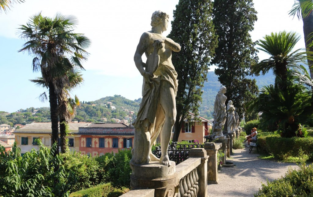 The villa and it's surrounding large gardens were sold to the Town Council of Santa Margherita in 1973 by the heirs of the old Durazzo family