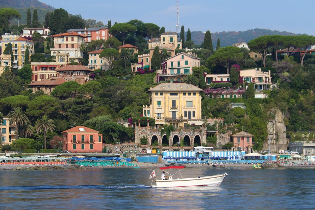 As we head south towards Punta di Portofino we pass many elegant villas overlooking Golfo Marconi