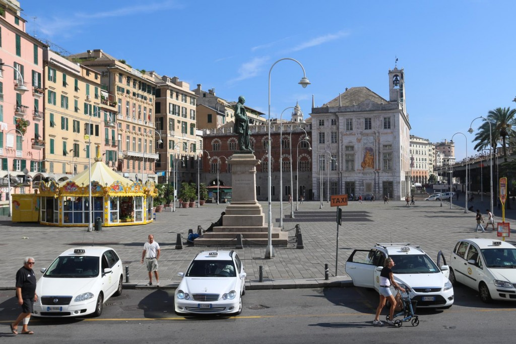 We arrive back at the port with the Hop On Hop Off bus at  stop no 1 at Piazza Caricamento
