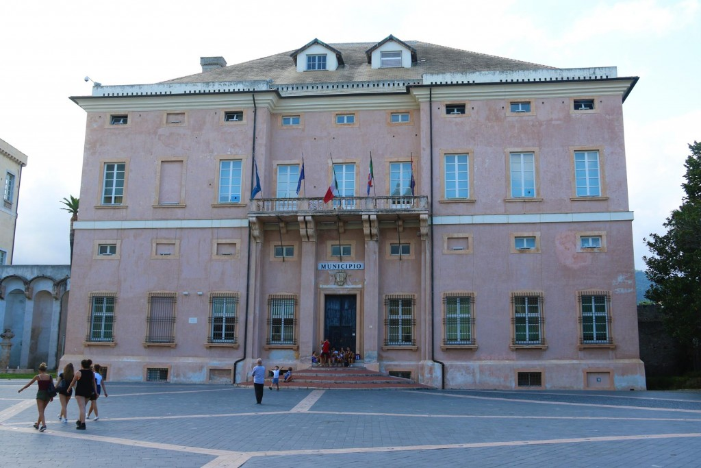 ... and the Loano Town Hall