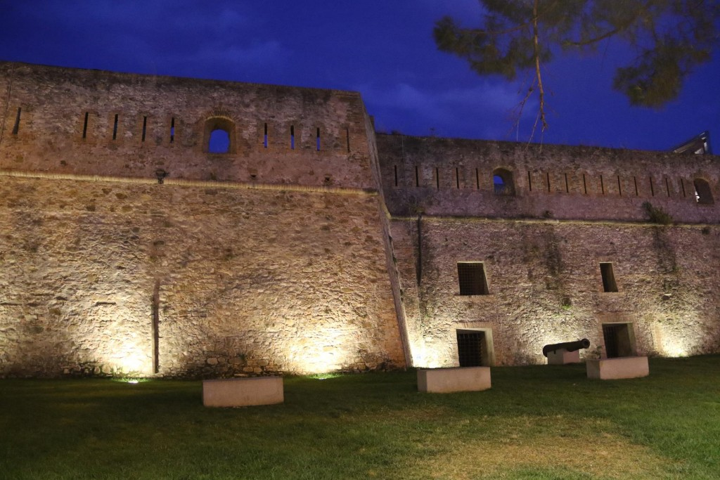The fortress of Santa Tecla looked wonderful lit up in the evening