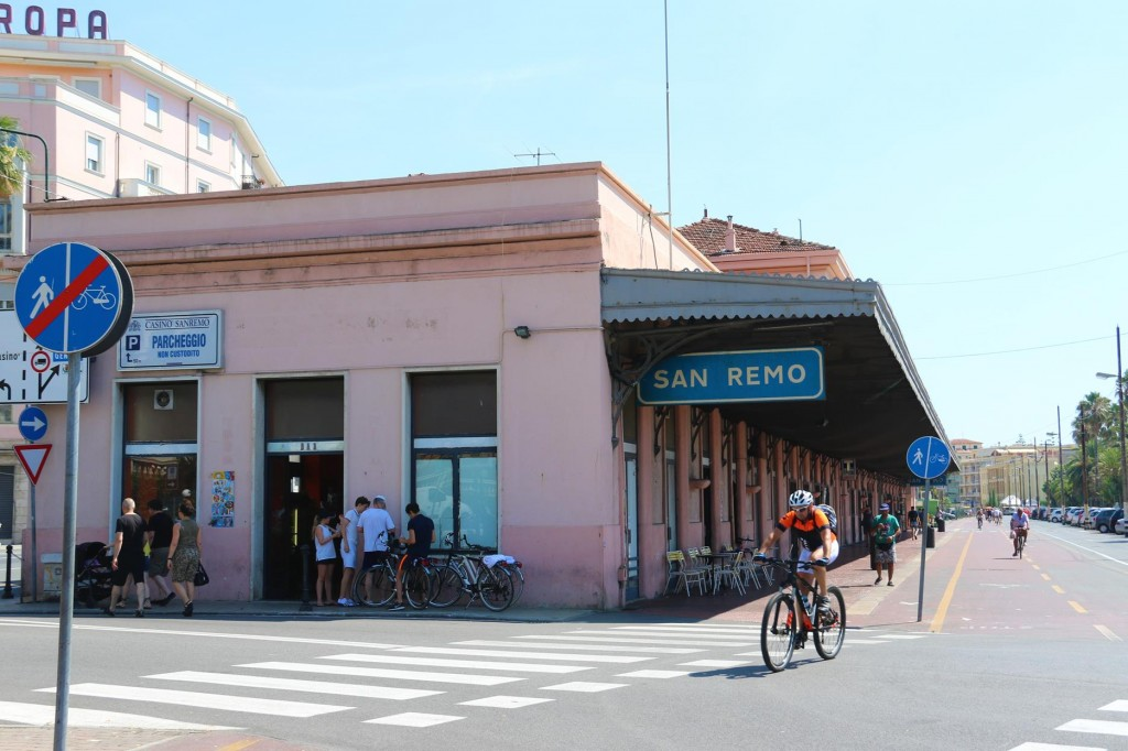 The old San Remo railway station has now been converted to a row of shops, including of course , a bike shop!!