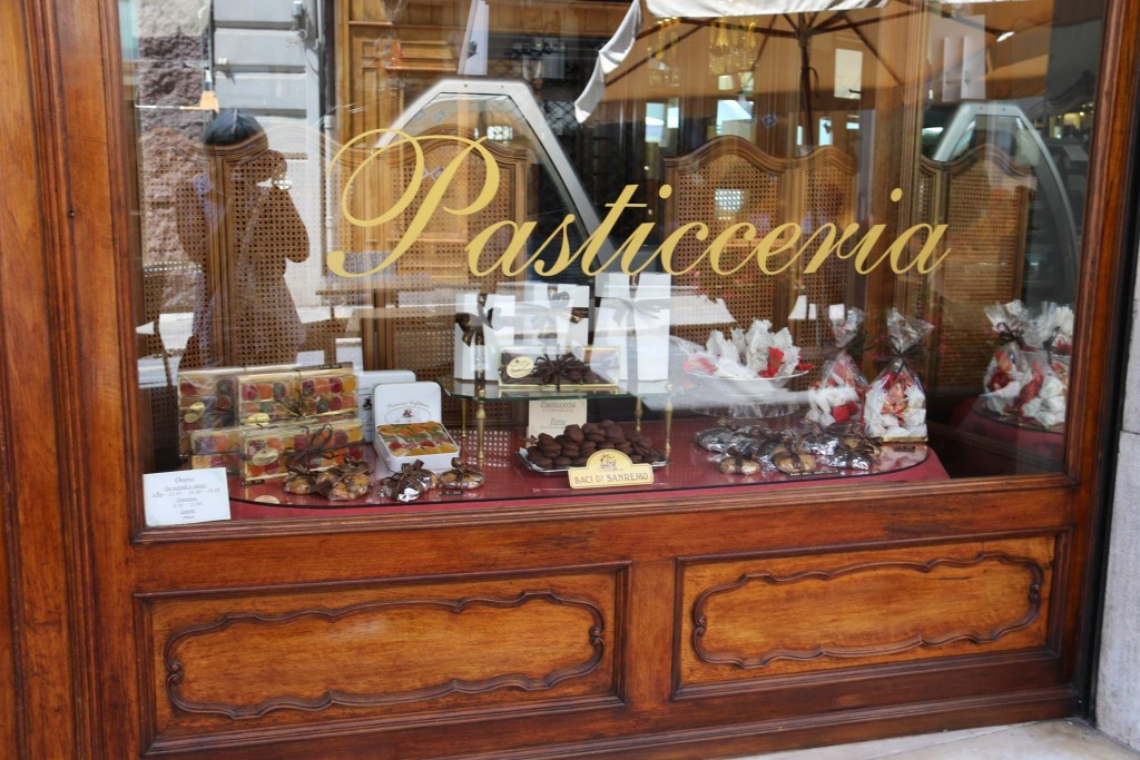 We pass a wonderful shop 'Pasticeeria' on our way back to the bikes