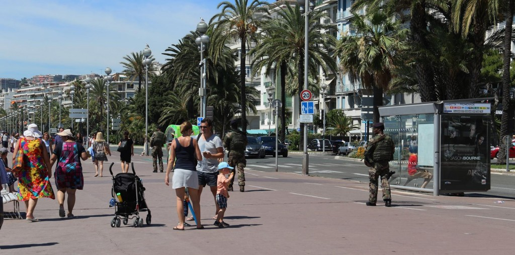 There is a very heavy presence of armed soldiers all along the Promenade des Anglais