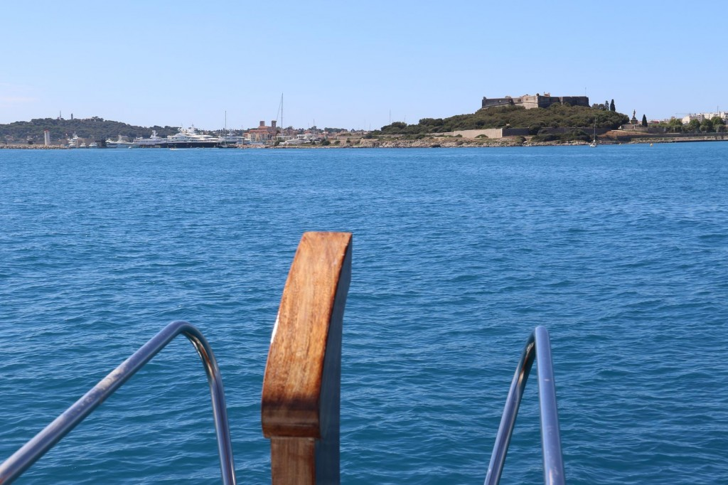 Continuing west in the bay we head for the famous port of Antibes
