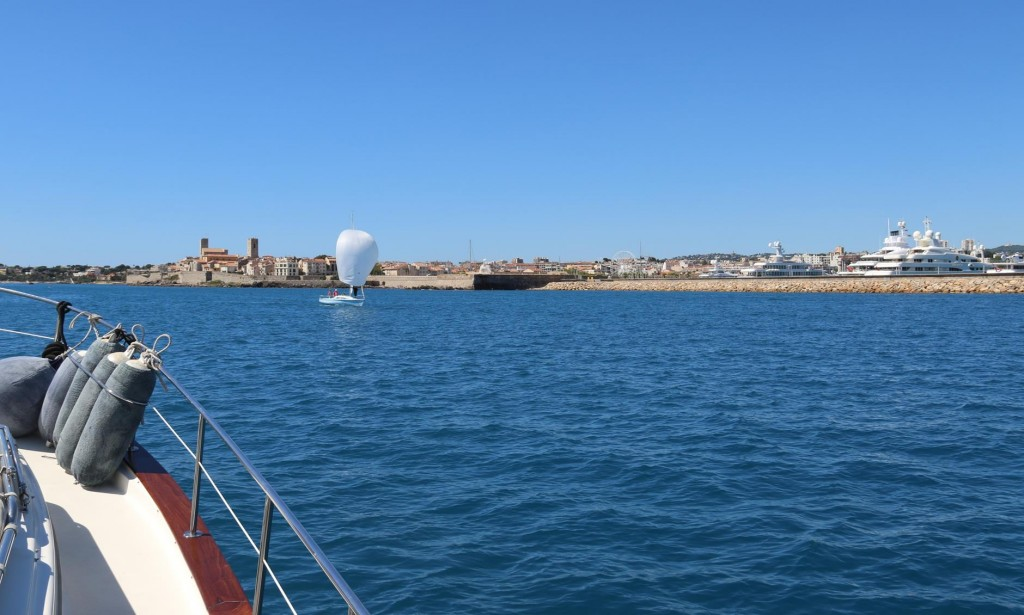 We continue just past the marinas to the old town of Antibes
