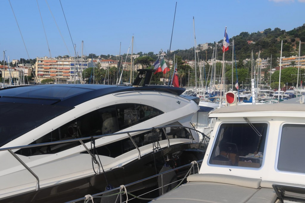 The marina in Beaulieu-sur-mer is a home to many smart boats of all sizes