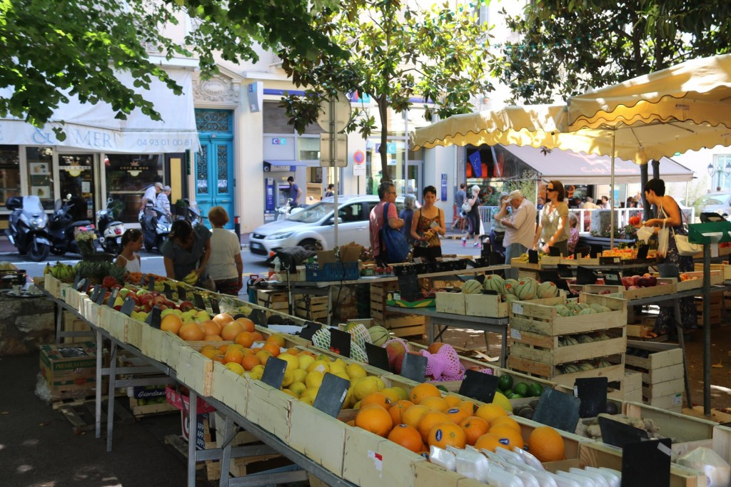 Every town has it's fresh market where one can buy wonderfully fresh vegetables, fruit and flowers etc