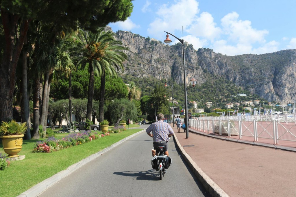 As Beaulieu-sur-mer is quite an upmarket town, the gardens are all perfectly manicured and the streets clean and well maintained