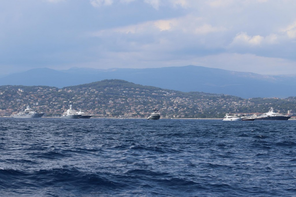 The small gulf, Golfe Juan on the western side of Cap d'Antibes