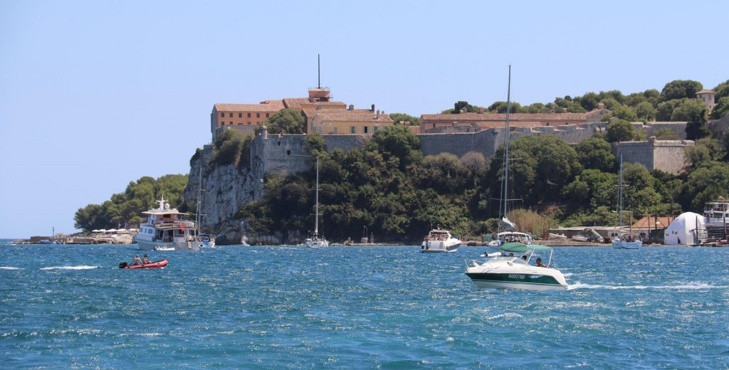 On the north side of Ile Ste Marguerite is Fort Royal which was built in the 17th Century