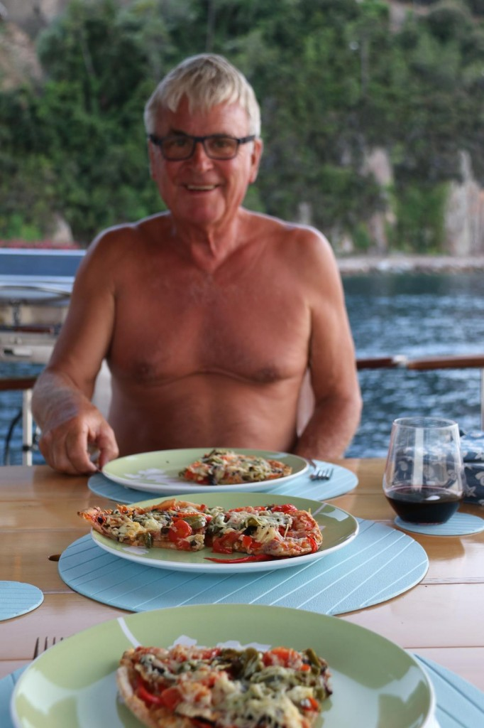 Rather than go ashore to one of the little restaurants we dined simply with one of Ric's delicious pizzas