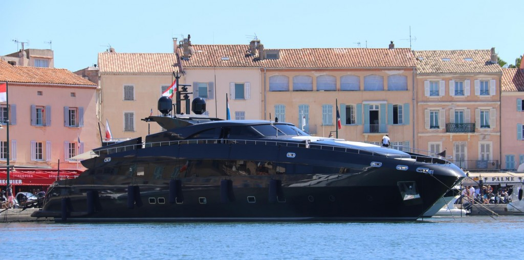 St Tropez attracts some quite incredible looking motor vessels!!