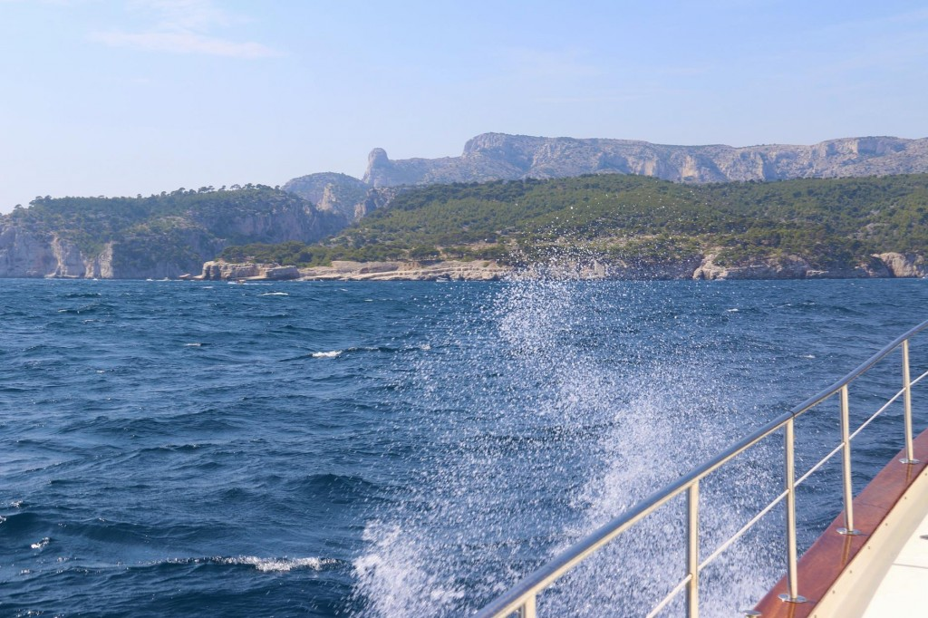 We approach the amazing coast with numerous calanques which are narrow inlets with steep sided limestone cliffs
