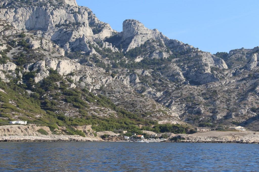 Continuing along we pass Calanque de Marseilleveyre with it's massive cliffs