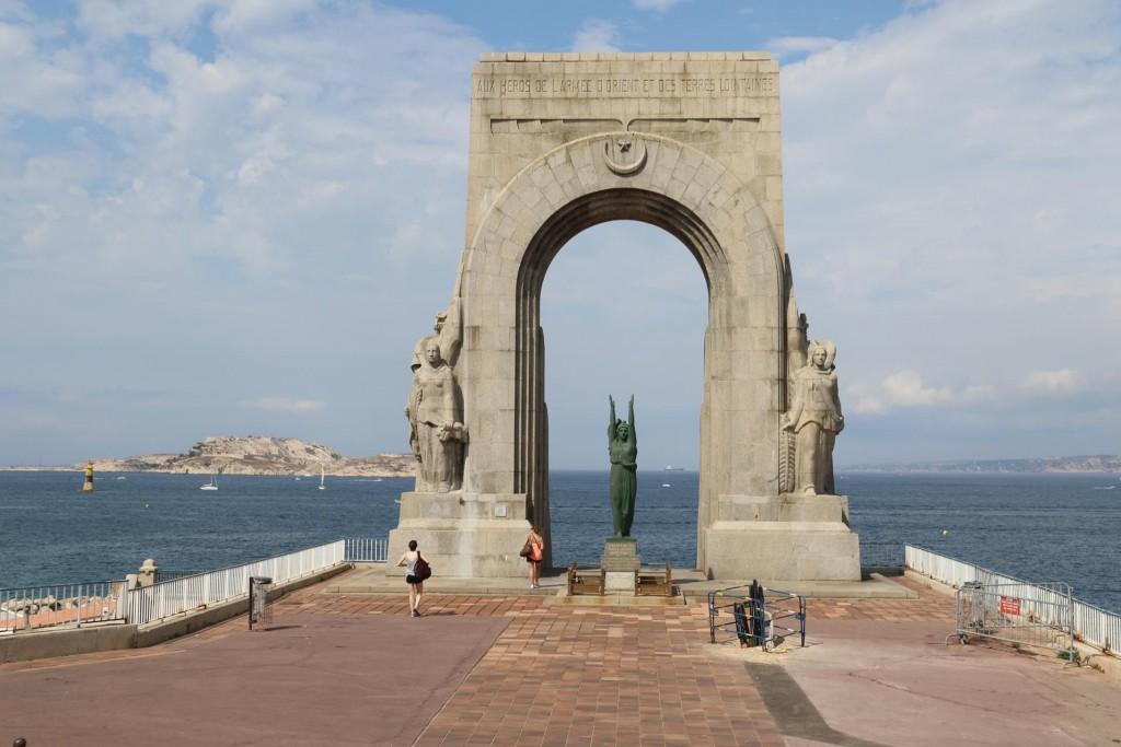 la porte de L'orient - Monument aux Armées d'Afrique