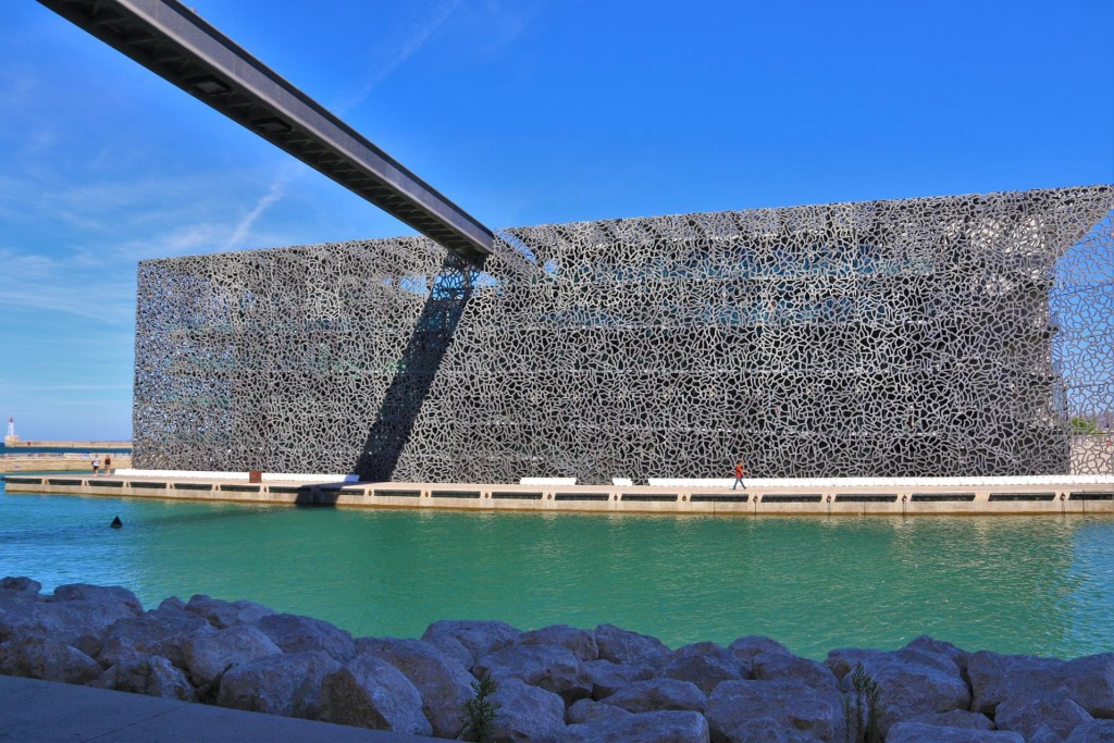 Marseille's new impressive architecturally designed Museum with a simplistic  overhead walkway  from Fort Jean