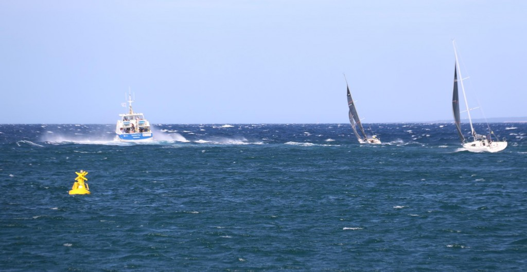 The mistrale wind that was forecast today arrived and we were pleased we were safely in port