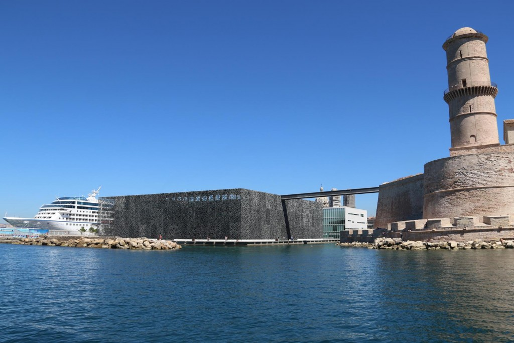 -fort-jean-and-the-spectacular-building-of-the-mucem-copy