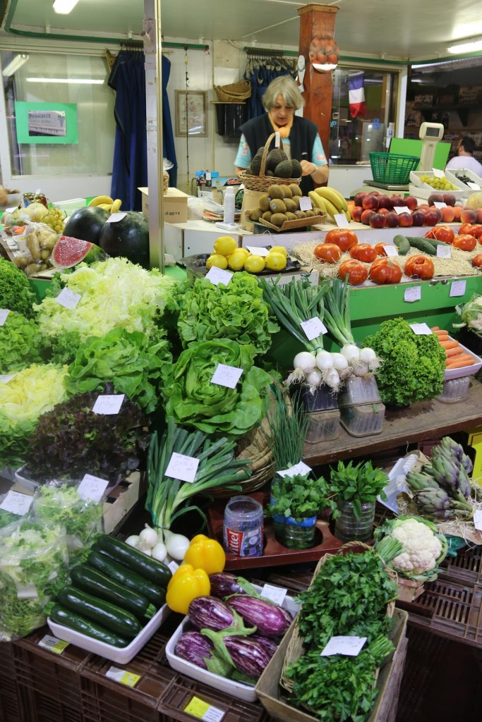 Wonderful fresh fruit and vegetables are for sale in the Sete market