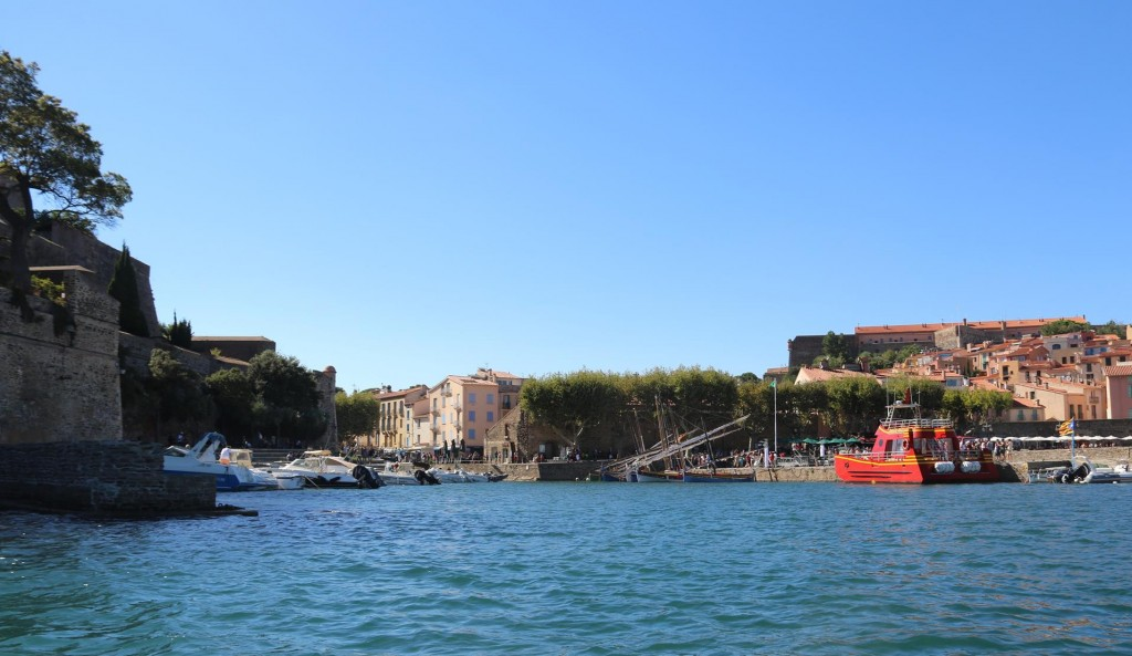 Time to head ashore by dinghy to have a look around the town