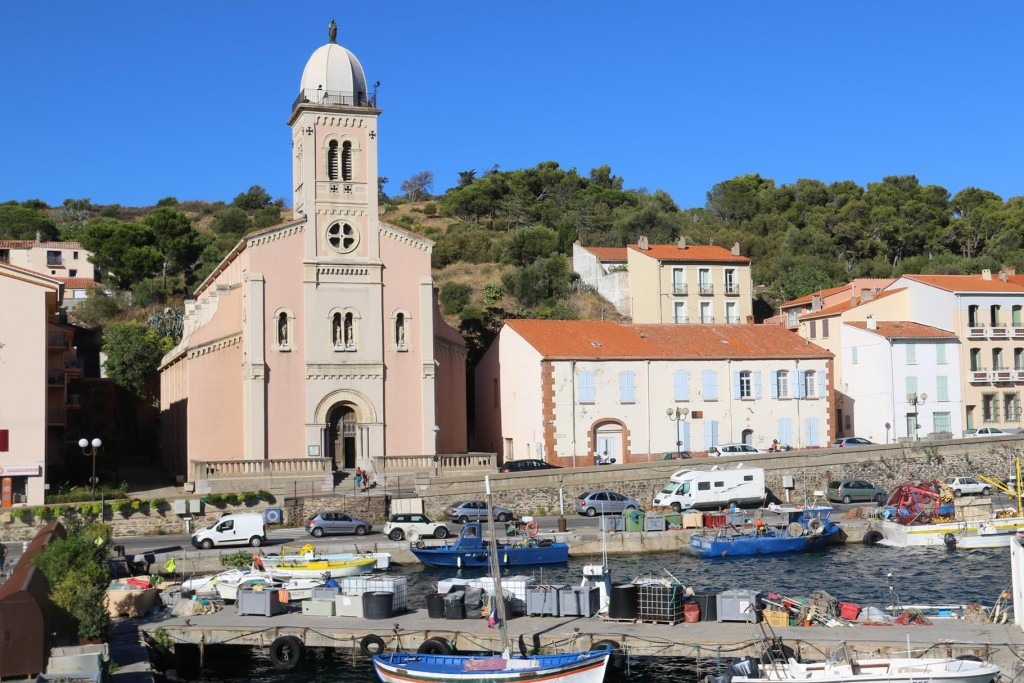 We have a photo stop in Port Vendres for short while