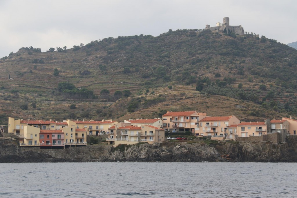 Virtually on the other side of the headland heading west from Collioure are the outskirts of Port Vendres