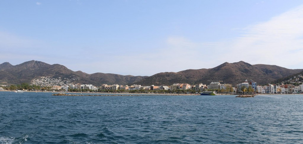 After our overnight stay and trip ashore to upgrade our internet we depart Puerto de Roses