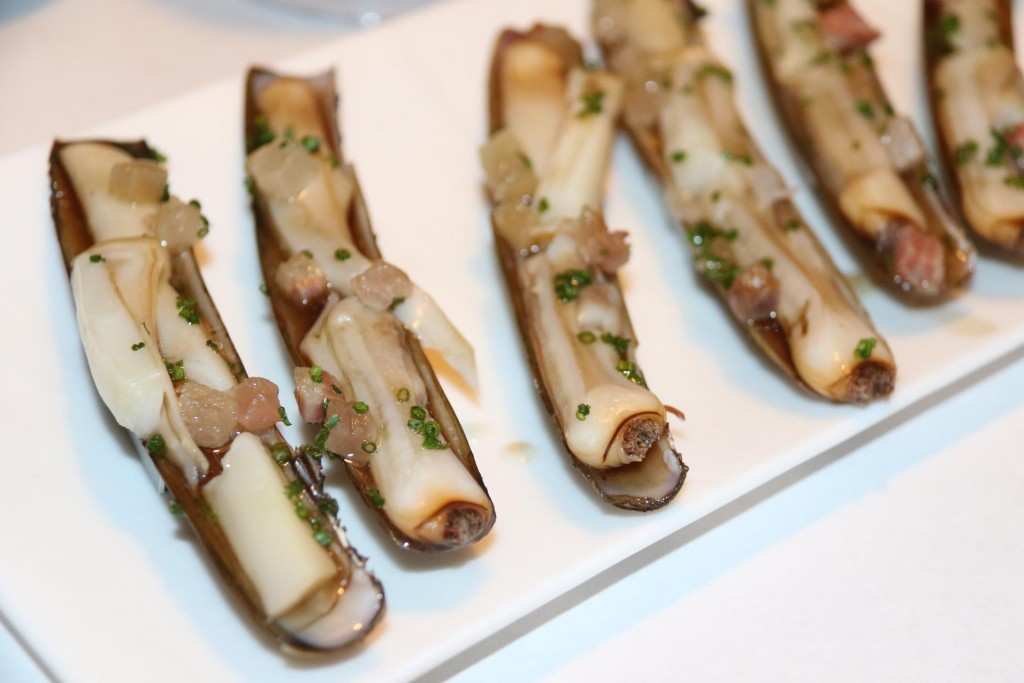We order the really delicious razor clams with mushroom consomme