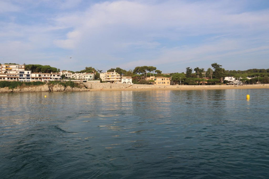 In a few hours all the bays will be full of boats and the beaches will once again become very crowded with sunworshipers
