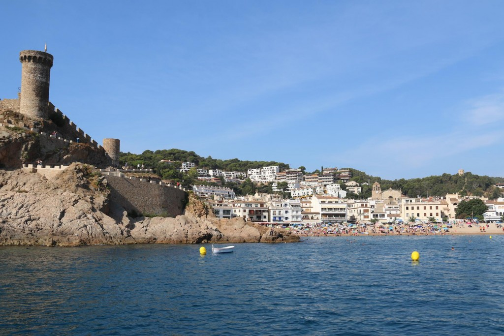 The bay at Tossa de Mar was full of small mooring buoys and there was nowhere for a boat of our size to comfortably anchor without getting in the way of the numerous day tripped boats