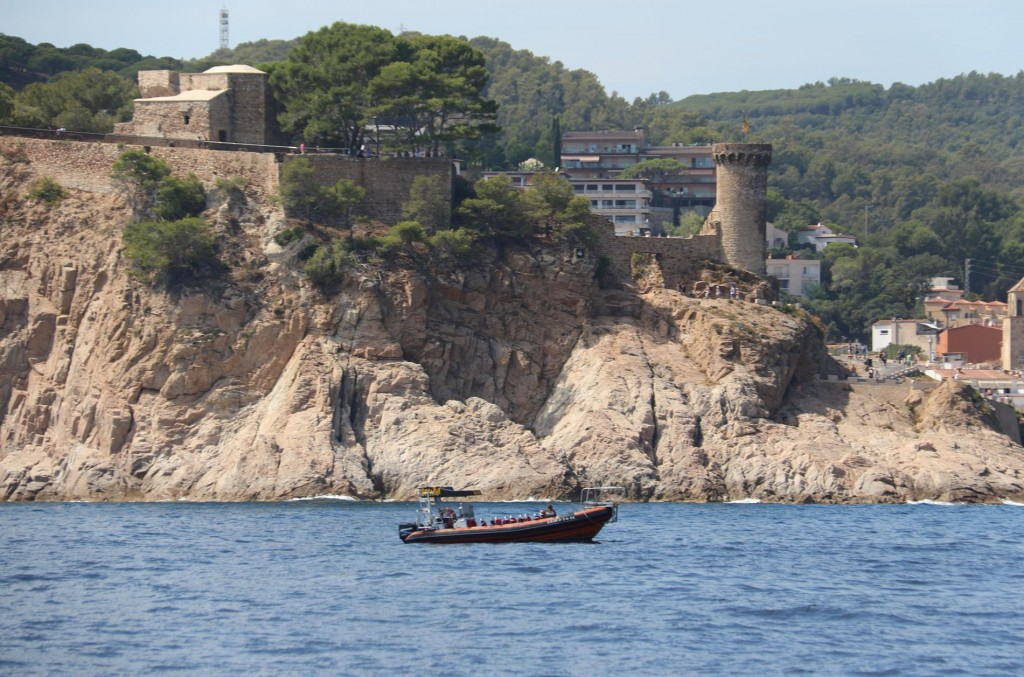 Again we pass Tossa de Mar which is difficult to visit by boat