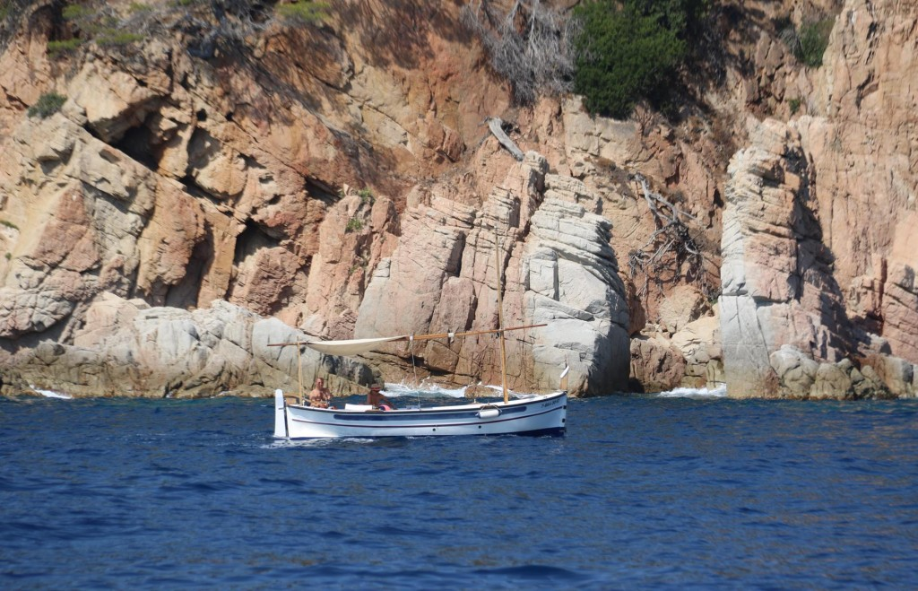 All along the Costa Brava coastline we have seen thousands of small boats pottering along close to the coast