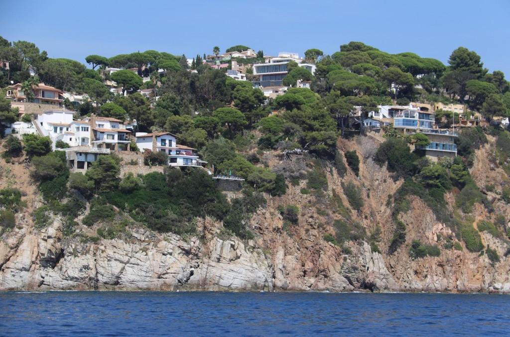 More beautiful homes hugging the hillsides at Punta de L'Ugil