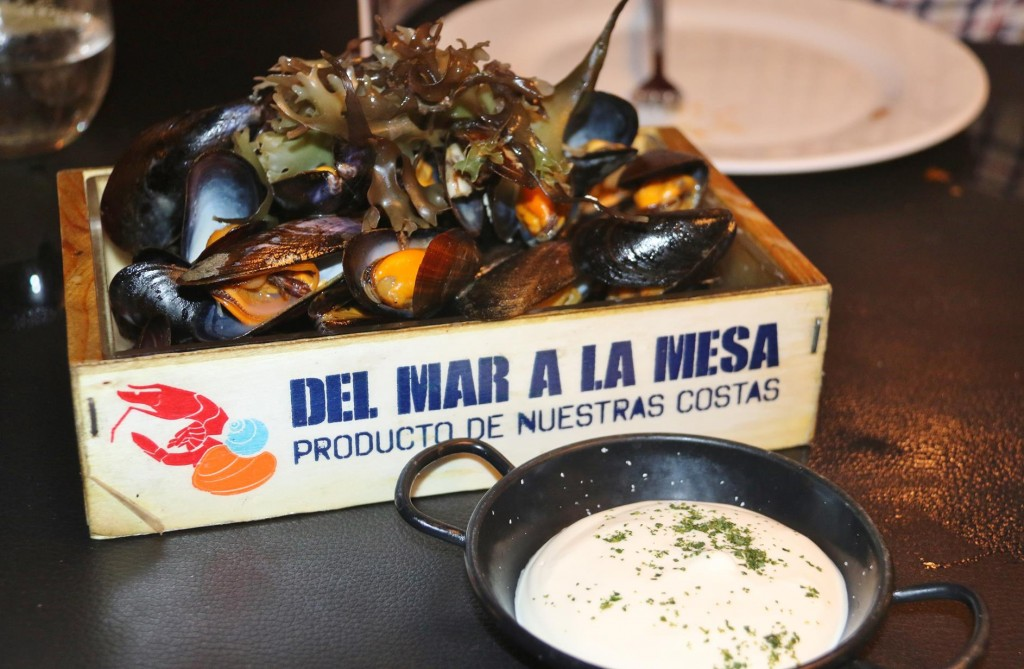 An amazing box of mussels arrives next