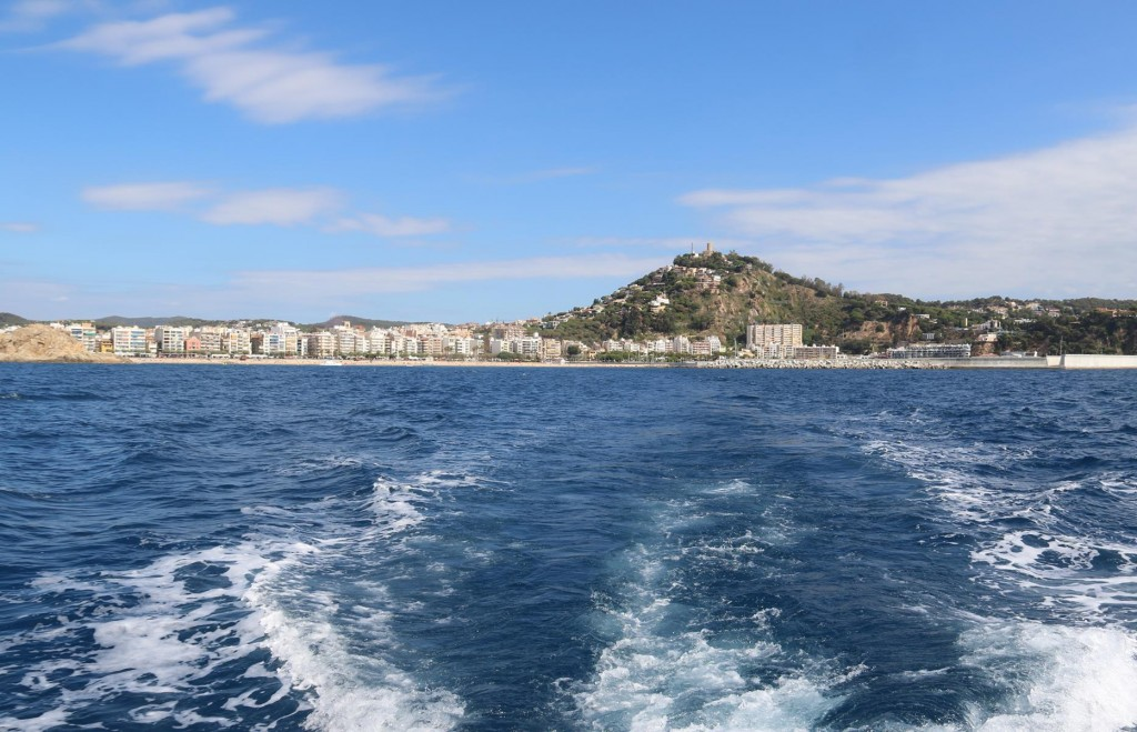 Time for us to continue on down the coast to  Puerto de Arenys de Mar where plan to catch up with some friends