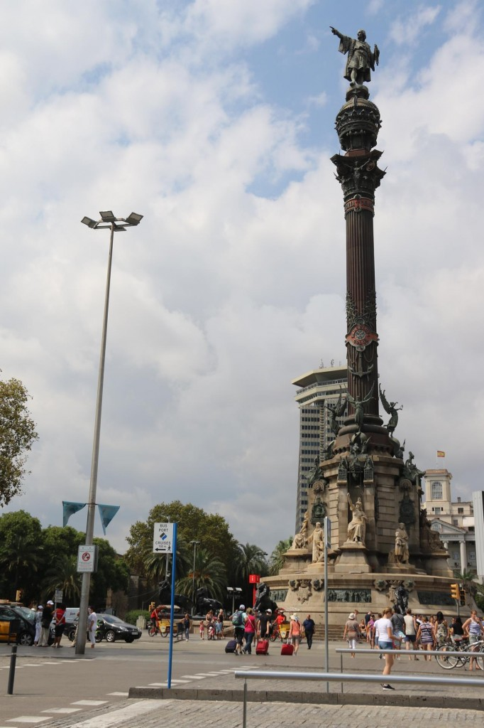 Nearby is the Mirador de Colon with the statue of Christopher Colombus high up overlooking the water