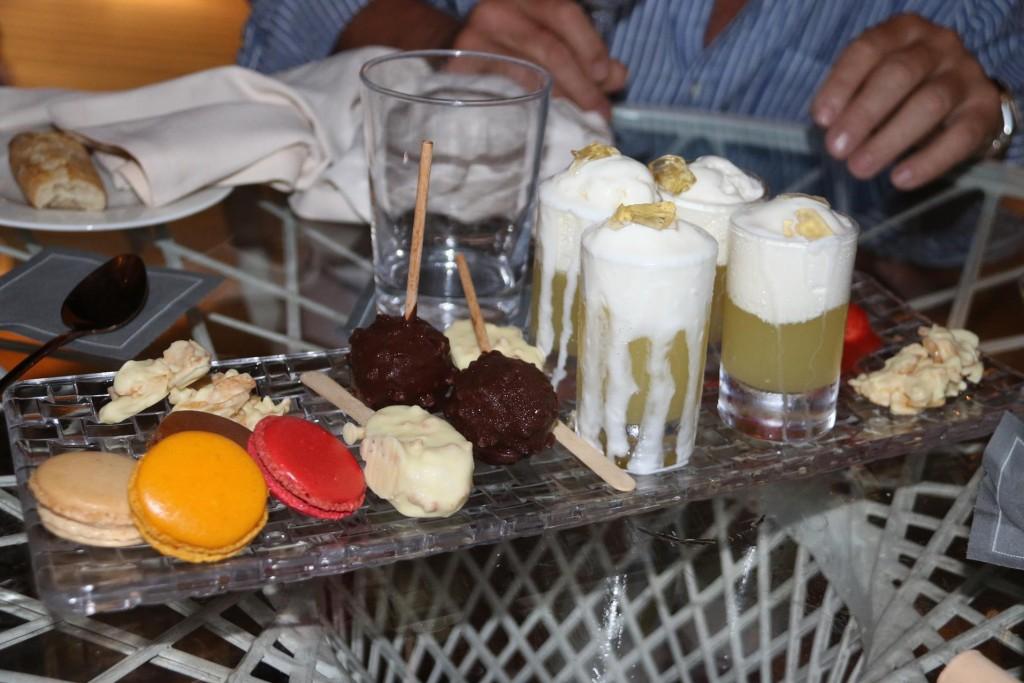 La Grande dessert for 4