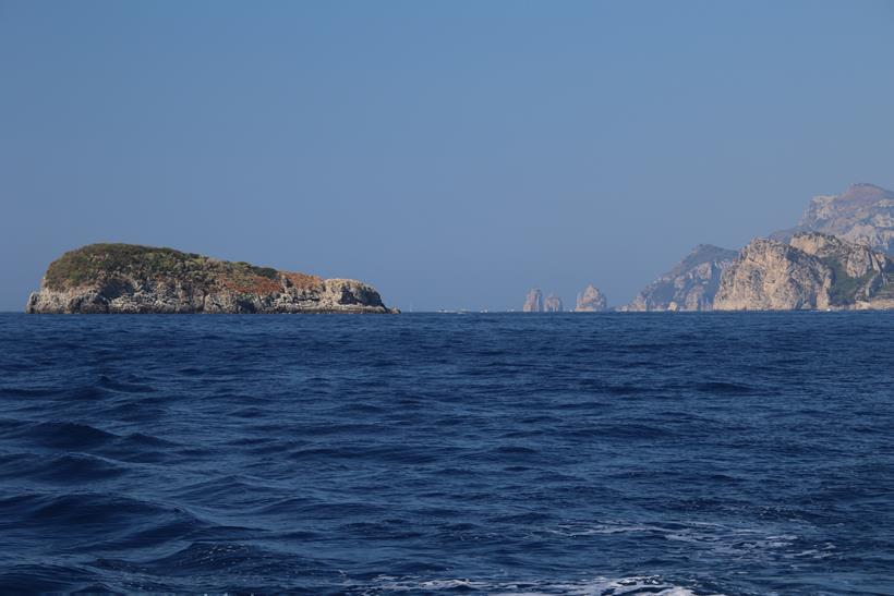 Looking back towards Capri and Scoglio Vetera in the foreground